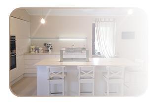 Pulizie casa vacanza Roma: 100Mani srl ditta specializzata in ogni tipo di pulizie