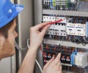 Pronto intervento elettricista Roma e1494950877490 292x240 c - 100Mani srl: servizi senza stress