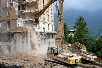 Demolizioni edili Roma: foto di un edificio abbattuto