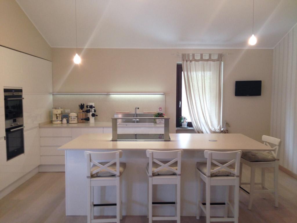 Ristrutturazione rifacimento cucina roma for Idee ristrutturazione appartamento