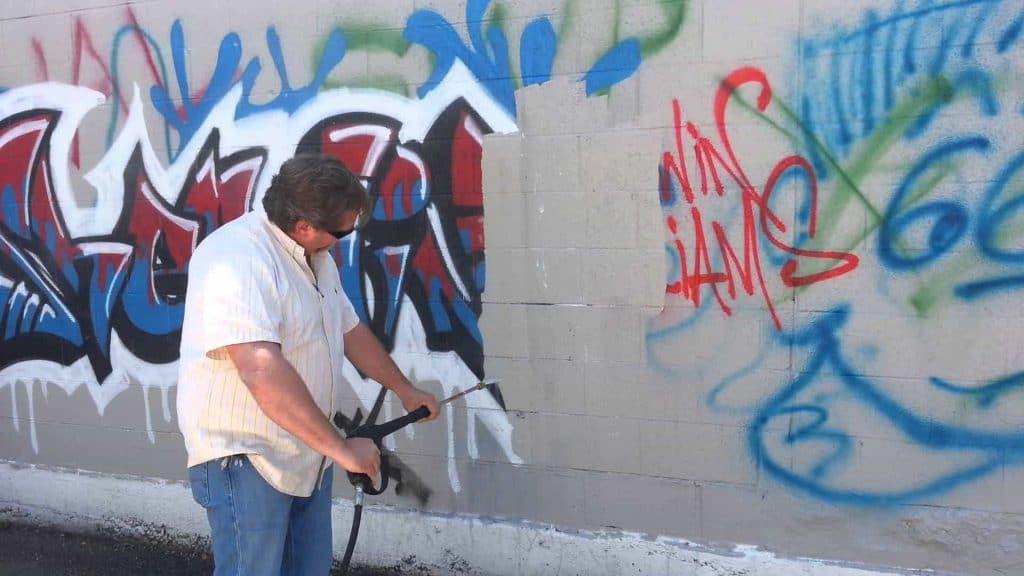 Antigraffiti: Vernici per Trattamenti Protettivi