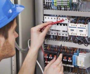 Elettricista H24 292x240 c - 100Mani srl: servizi senza stress