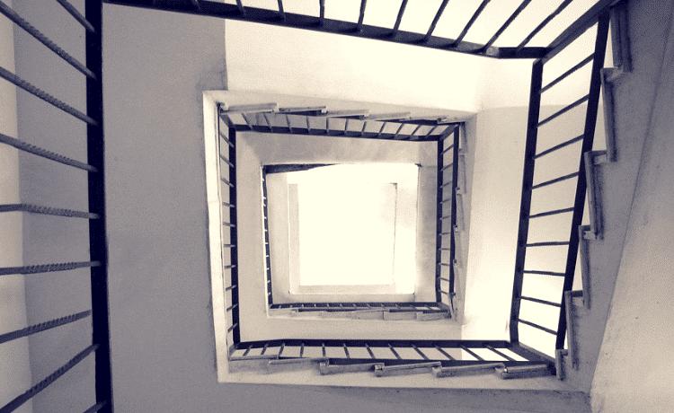 Pulizia scale condominio regolamento